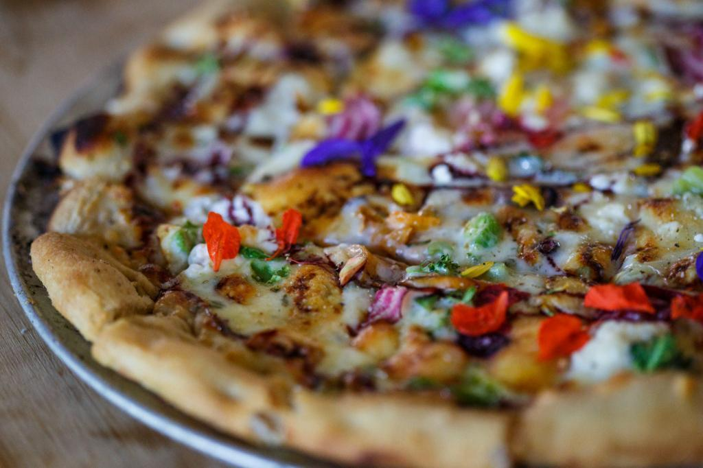 Wood Fired, Hand Made Pizzas at the Austin Farm to Table Gala - Barr Mansion Event Photography